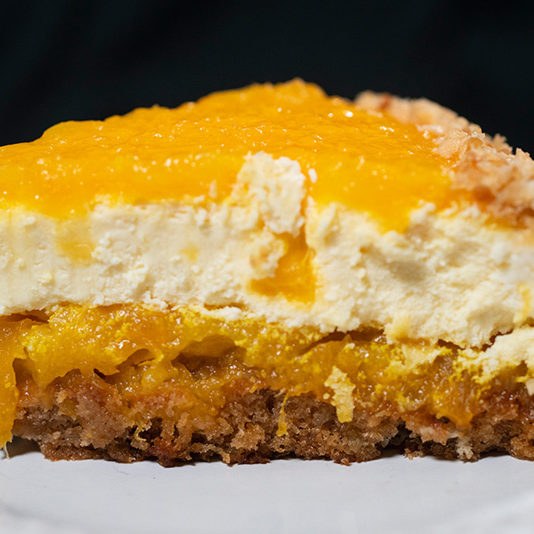 Pineapple-Macadamia-Nut-Cheese-Cake